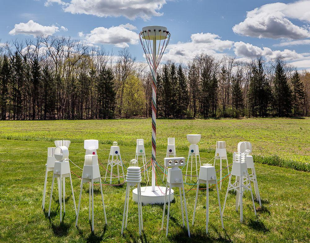 UM Project Creates Robot Lamps That Dance Around A Maypole