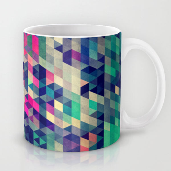 triangles-pixels-mug