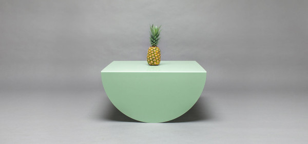 3legs-table-modern-green-half-moon