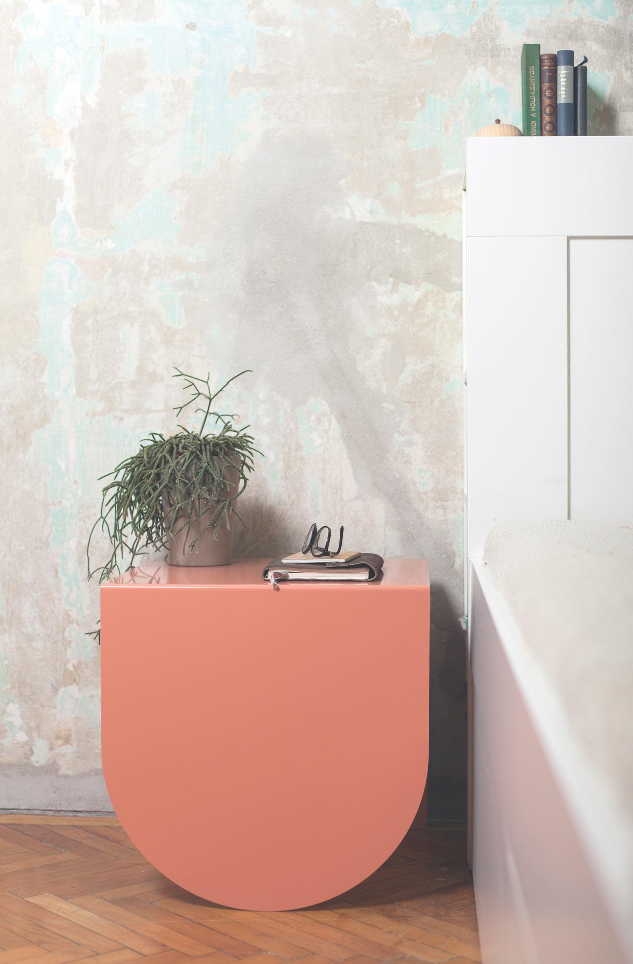 3legs-table-modern-peach-gemoetry2