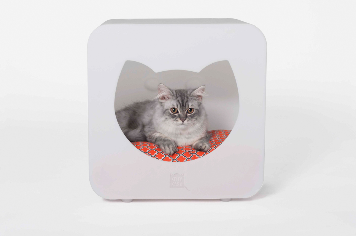 ARNI Says Kitty Kasa bedroom