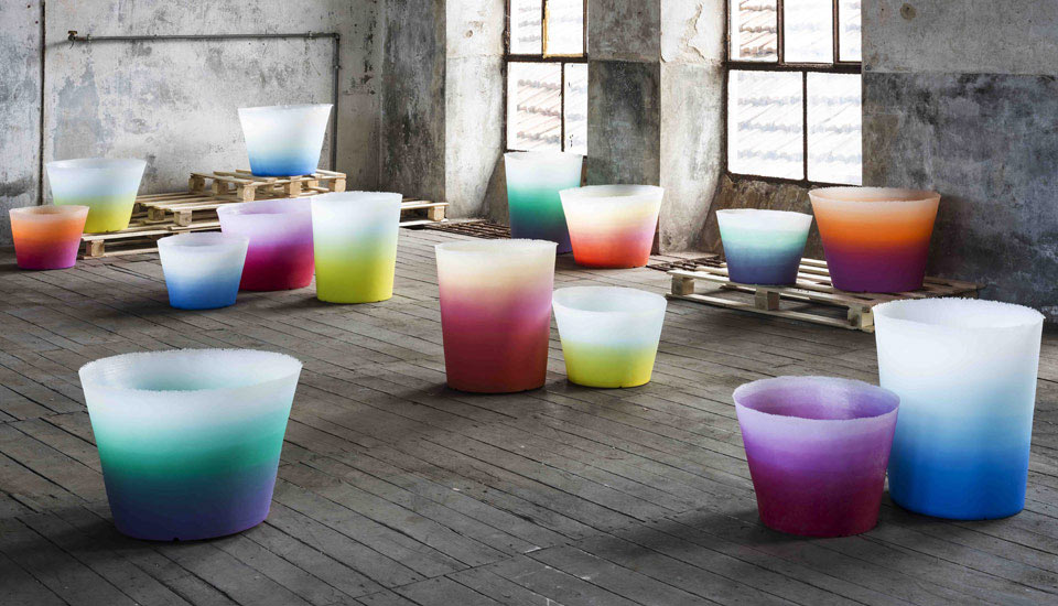 Alba: Gradient Outdoor Pots & Lights