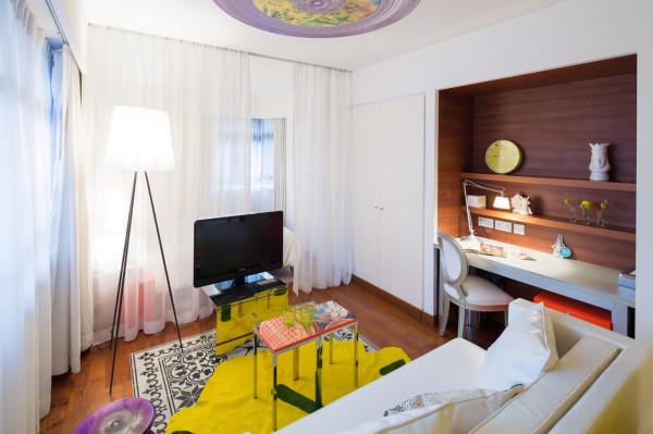 Destin-J-Plus-hotel-by-yoo-10-yellow