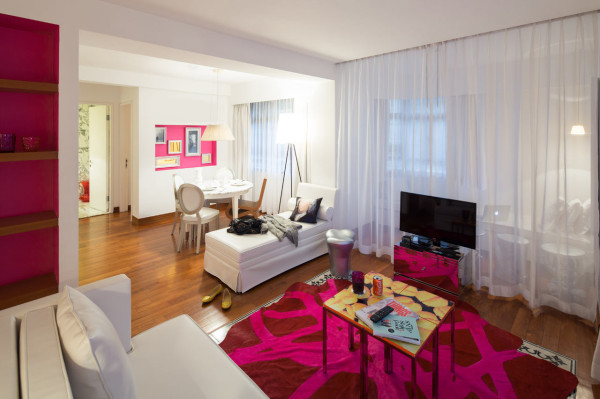 Destin-J-Plus-hotel-by-yoo-15-red