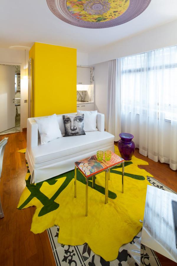 Destin-J-Plus-hotel-by-yoo-9-yellow
