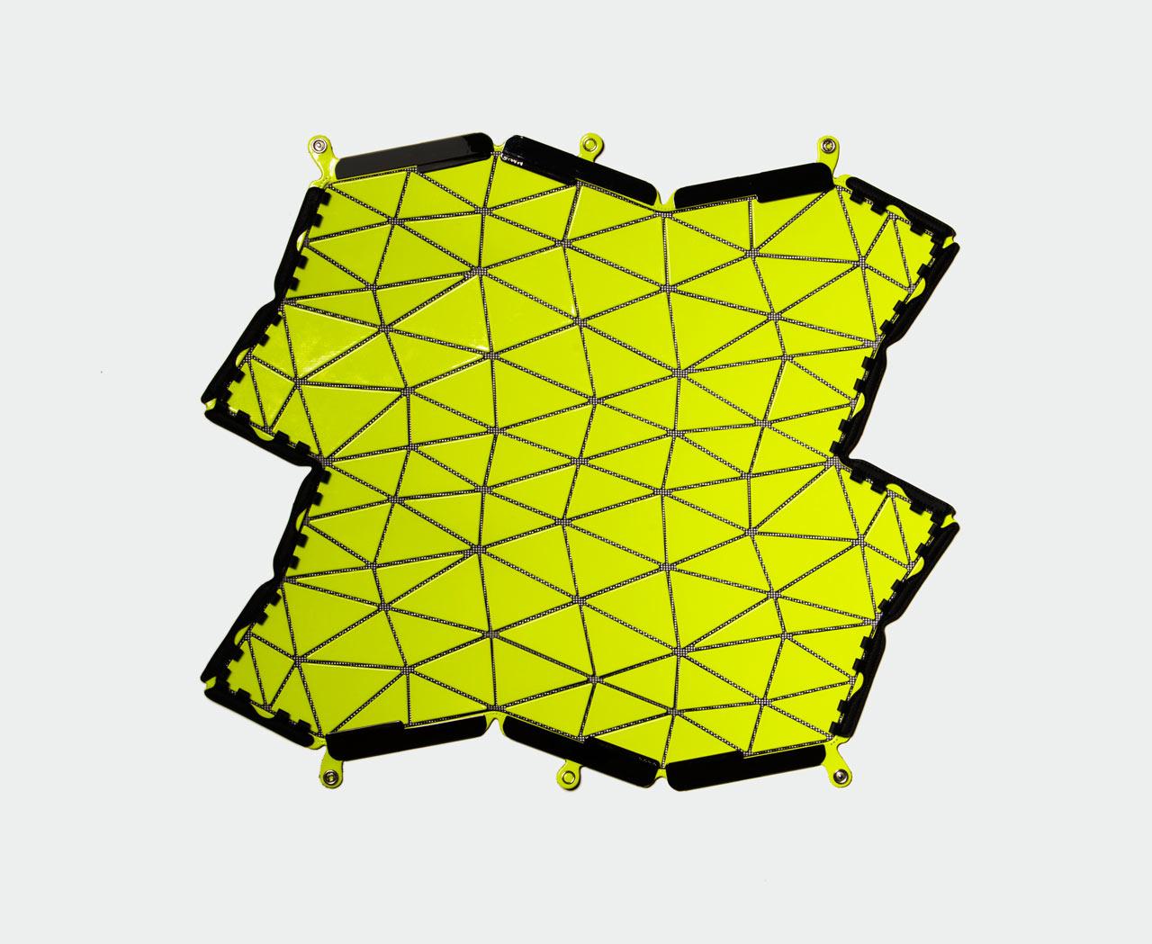 Distortion-BaoBao-Issey-Miyake-NandR-Foldings-1a