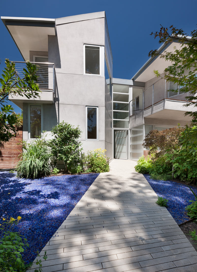 A Net-Zero Energy House in Santa Monica, California
