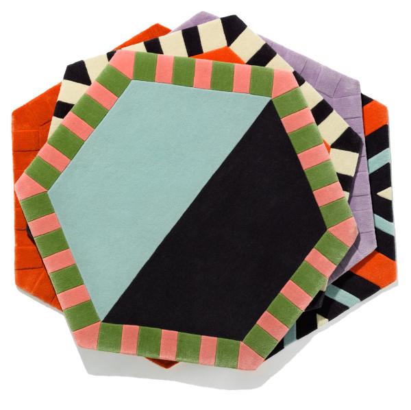 Kinder-GROUND-Modular-Carpet-13_hex_stack