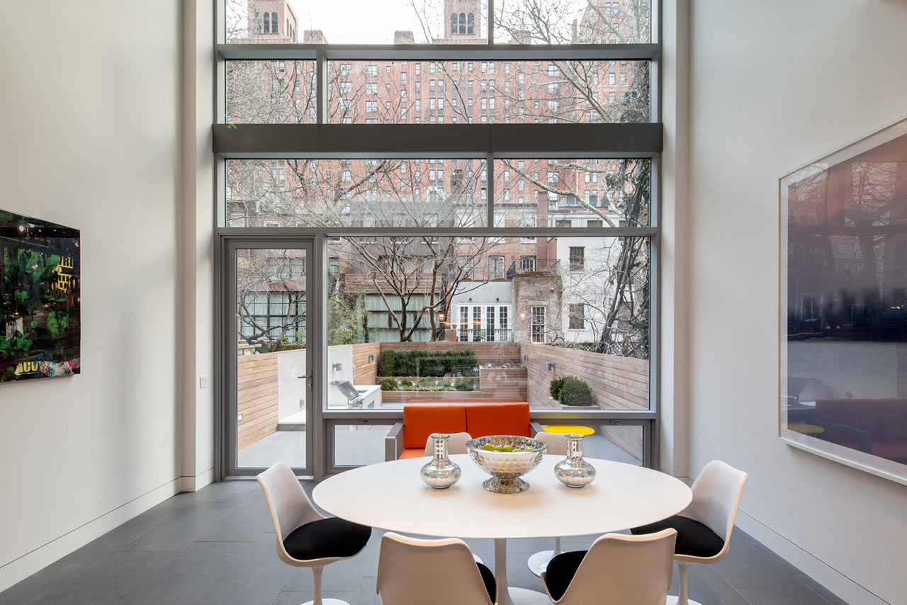 A NYC Townhouse Designed For Art Collectors ...