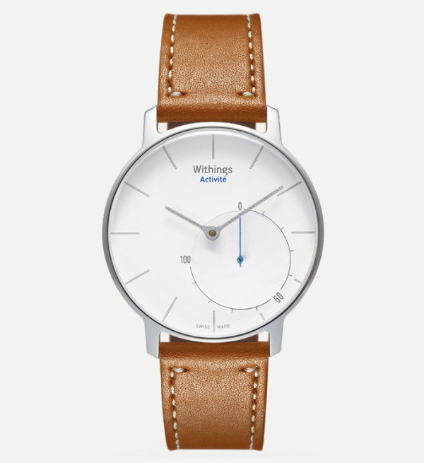 A vibrating alarm and water resistance to depths of 50 meters complement the Withings Activité's Swiss construction and heritage tannery leather watch straps.