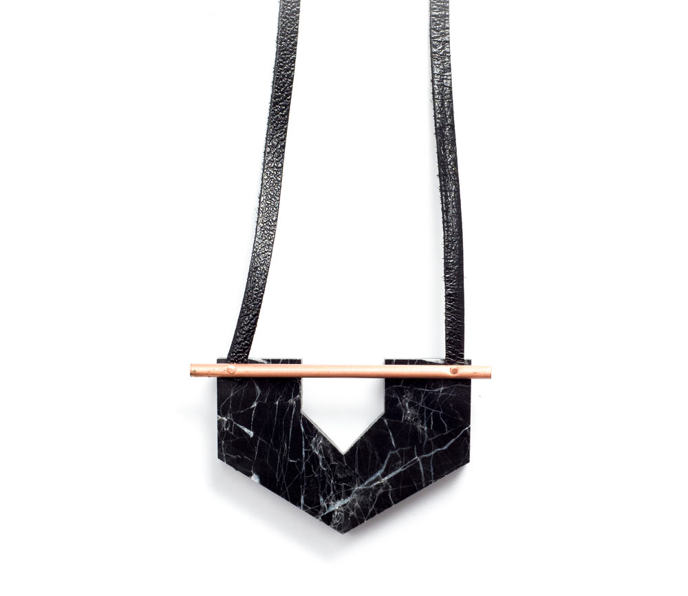 rillrill-black-marble-necklace