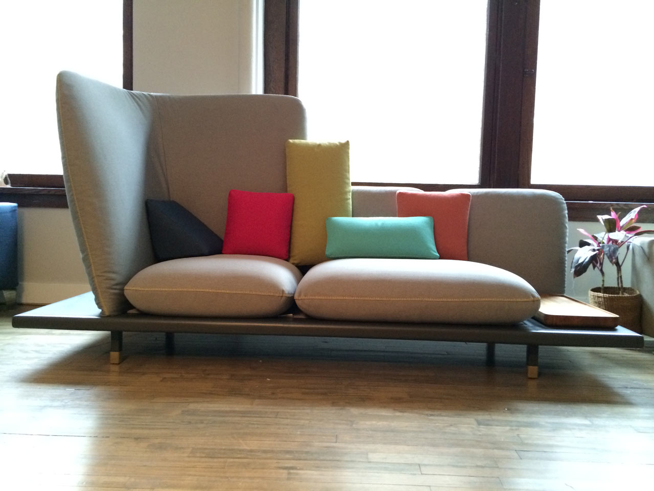 A Sofa Designed with Manhattan in Mind ...