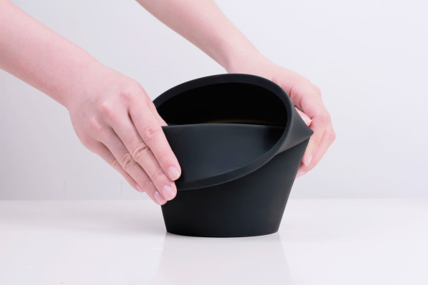 A Pot that Grows with Your Plant in main home furnishings  Category