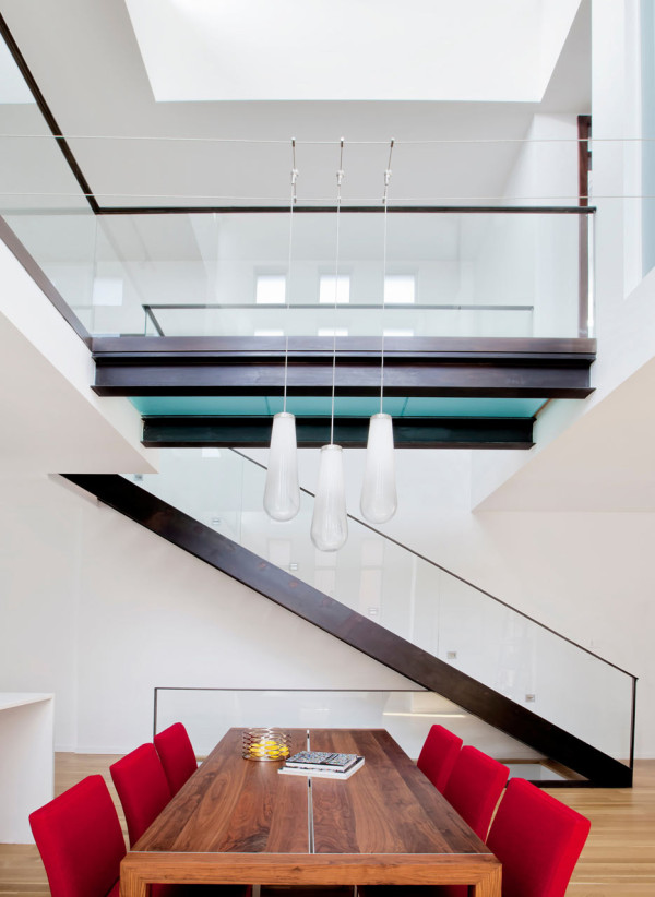 A Semi Detached House on a Hill in Montreal in main architecture  Category