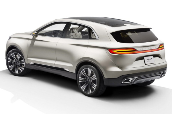 Lincoln-MKC-rear-view