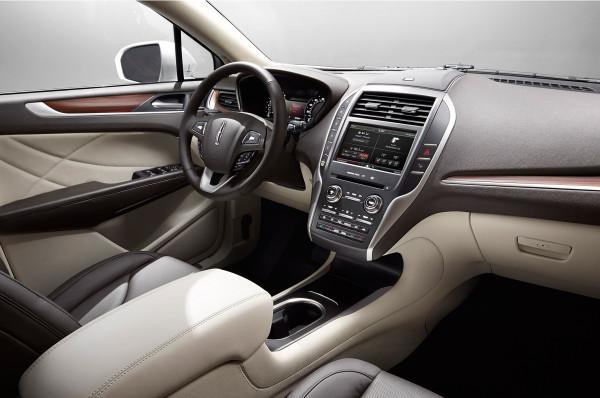 Lincoln_mkc-interior