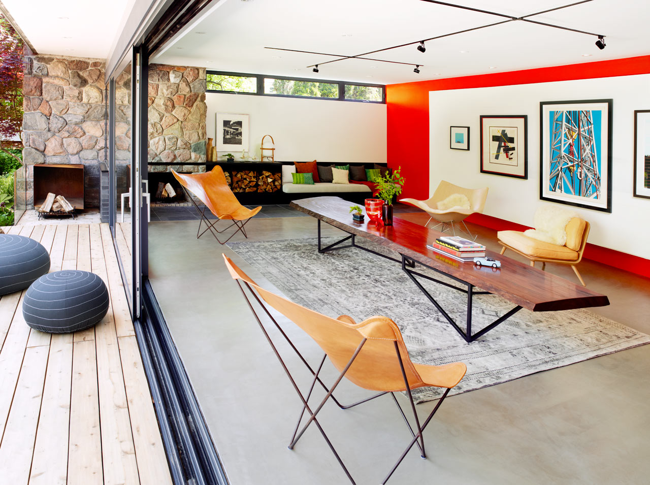 Mid-Century-Poolhouse-Tongtong-3