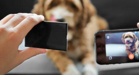 NOVA: A Wireless Flash for Better iPhone Photos