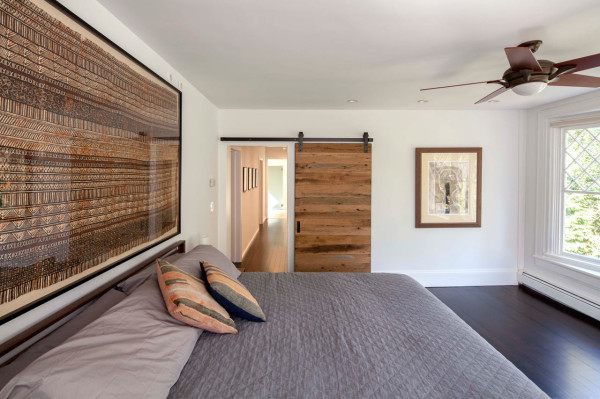 Professors-Row-Renovation-Aamodt-Plumb-Architects-13-bed
