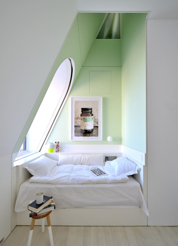Reading-Nook-4-Skyhouse-David-Hotson