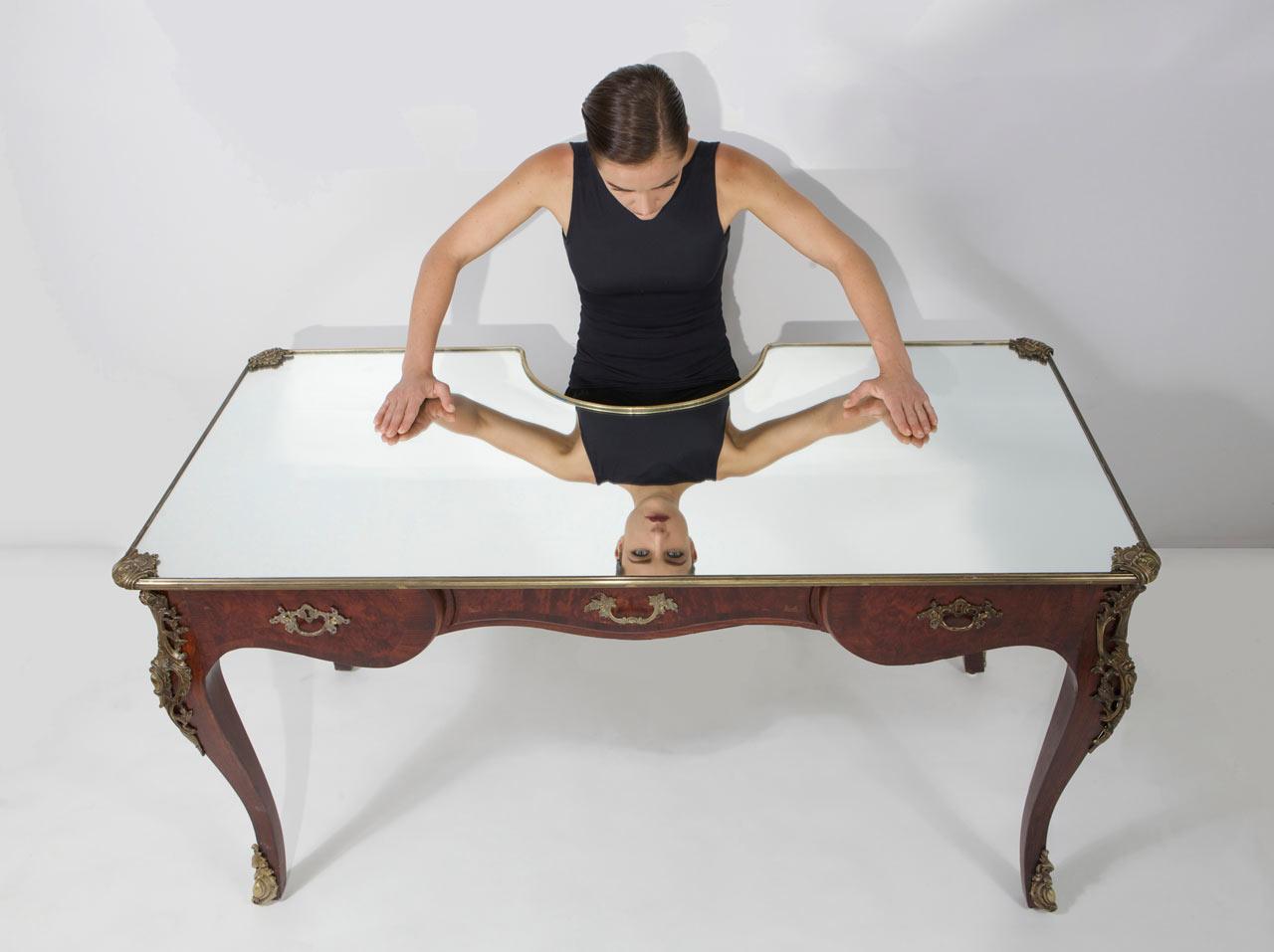 A Desk for Selfie Lovers Called Narcissus by Sebastian Errazuriz
