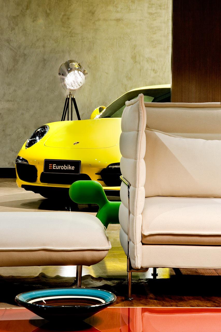 Showroom-Eurobike-Porsche-1-1-arquitetura-design-12