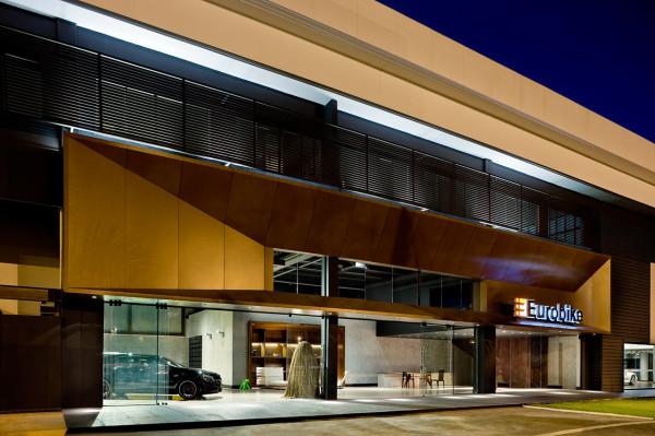 Showroom-Eurobike-Porsche-1-1-arquitetura-design-3