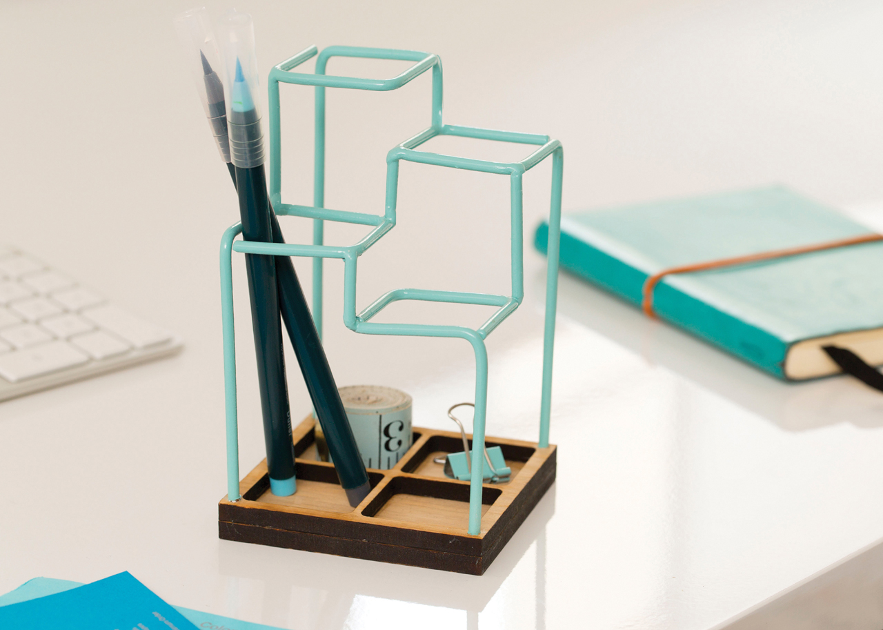 A 3D Desk Organizer That Looks Like a Sketch