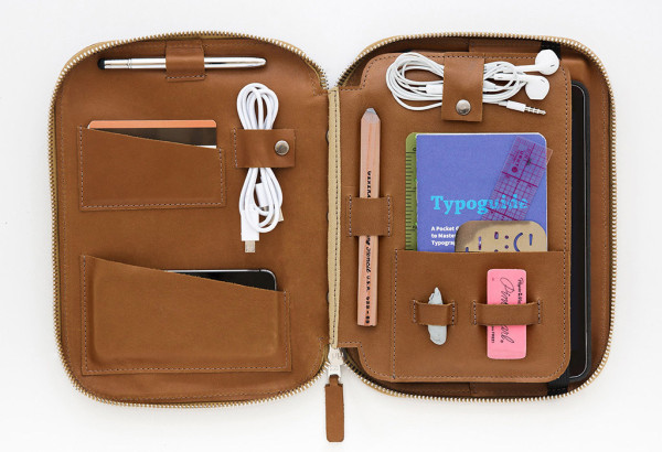 Five Travel Accessories for the Organized Designer's Bag - Design Milk