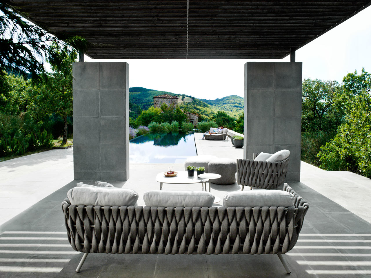 Outdoor Furniture with Extra Wide Braiding for Upholstery