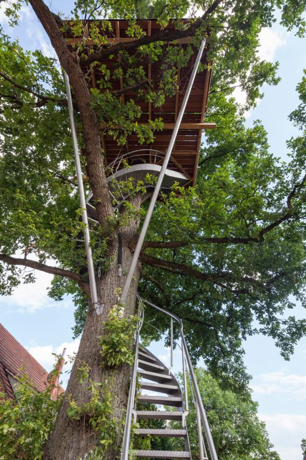 baumraum-Treehouse-Around-the-Oak-4