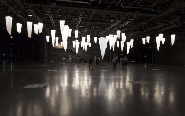 designmiami-installation-triangular-series