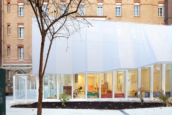 Epée de Bois Nursery by h2o architectes