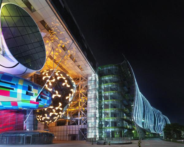 Shanghai International Cruise Terminal © Lin Ho