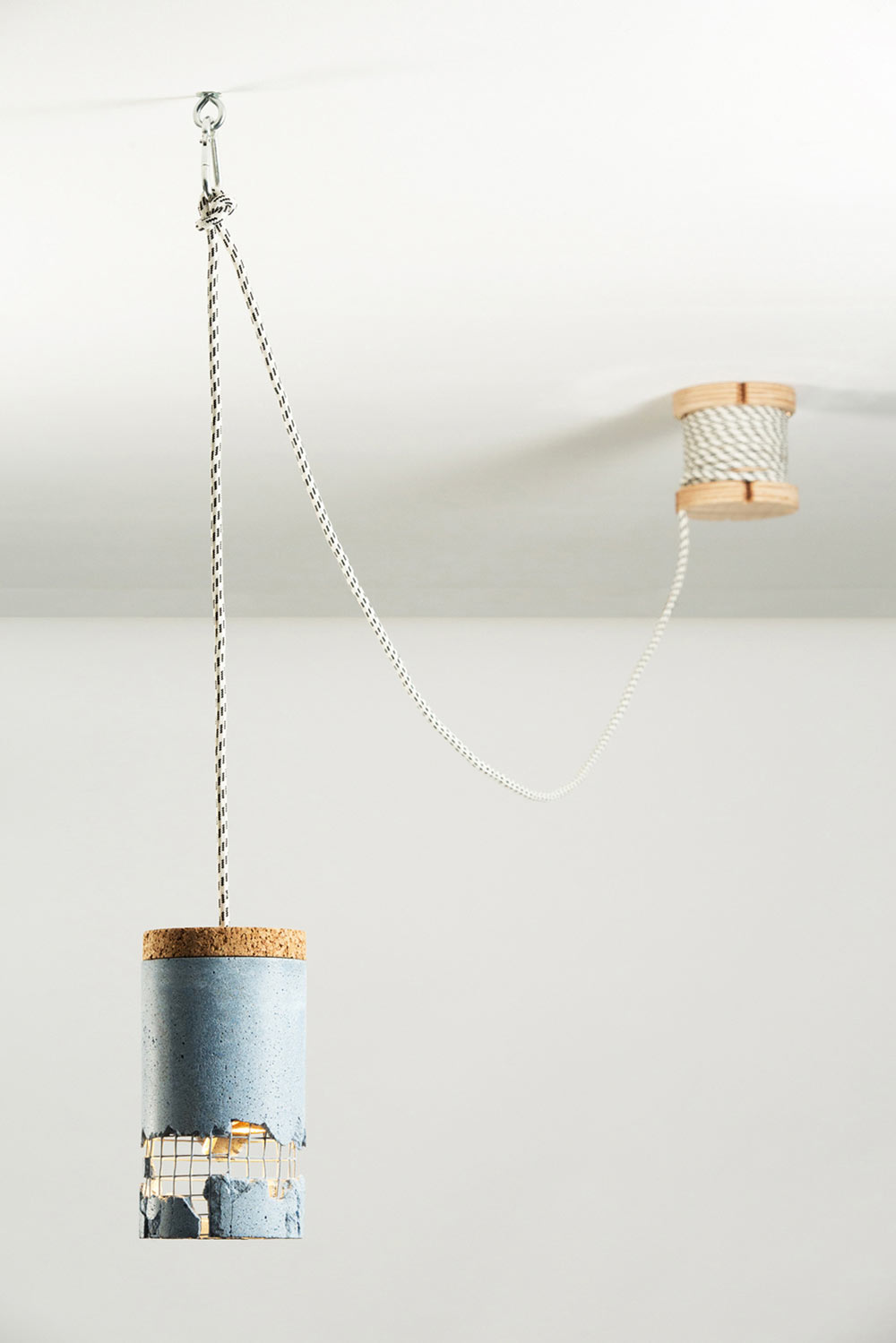 slash-lamp-concrete-lighting-ceiling