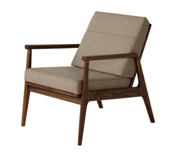 thos-moser-fahmida-chair-light