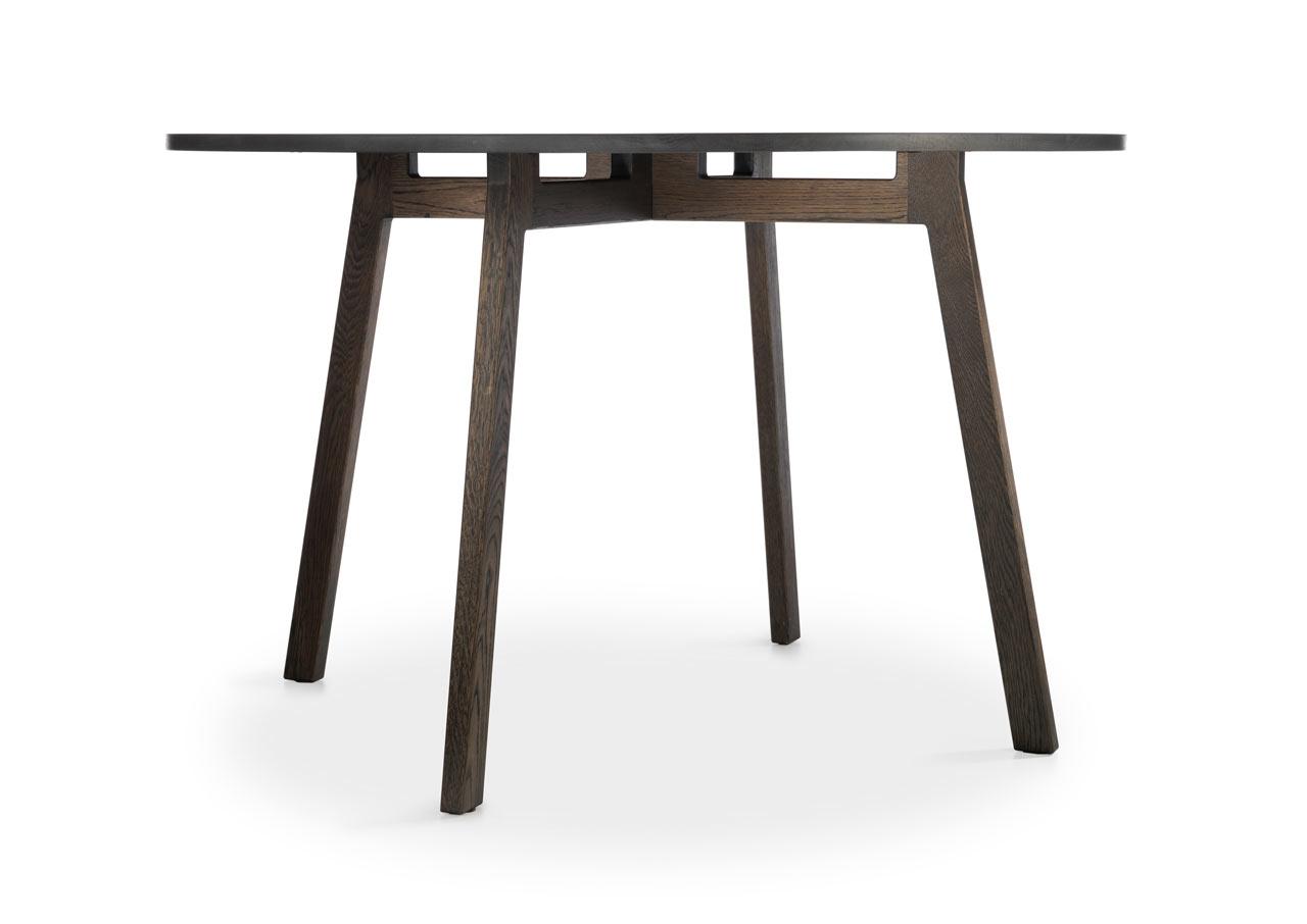Ames-Cologne-15-cuatro-table