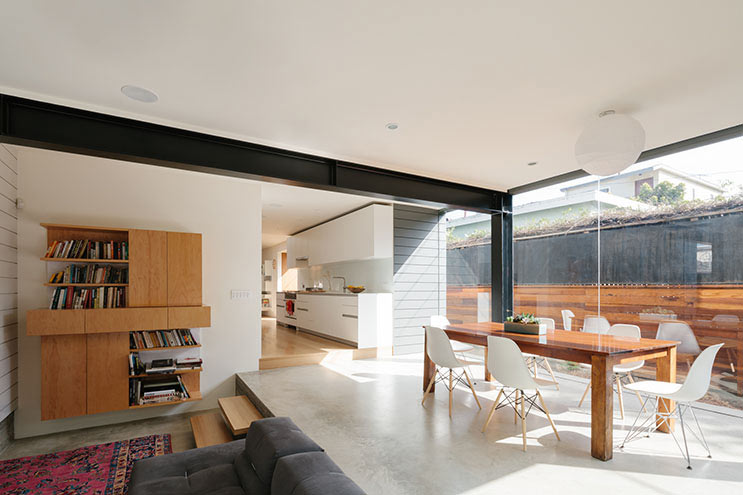"""backReturn to """"A Modest Beach Bungalow in Santa Monica Gets a Renovation"""""""