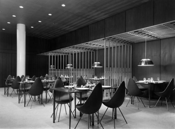 Decon-Drop-Chair-Arne-Jacobsen-18_FH_hotel-original