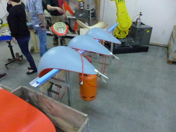 Decon-Drop-Chair-Arne-Jacobsen-7_FH_Final-assembly