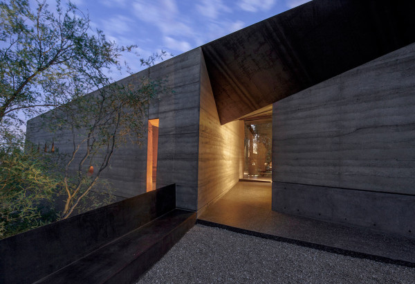 Desert-Courtyard-Wendell-Burnette-Architects-2