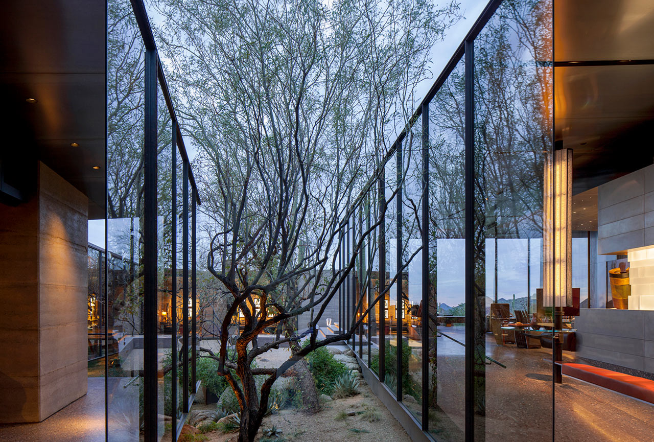 Desert-Courtyard-Wendell-Burnette-Architects-3