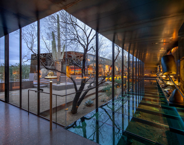 Desert-Courtyard-Wendell-Burnette-Architects-5