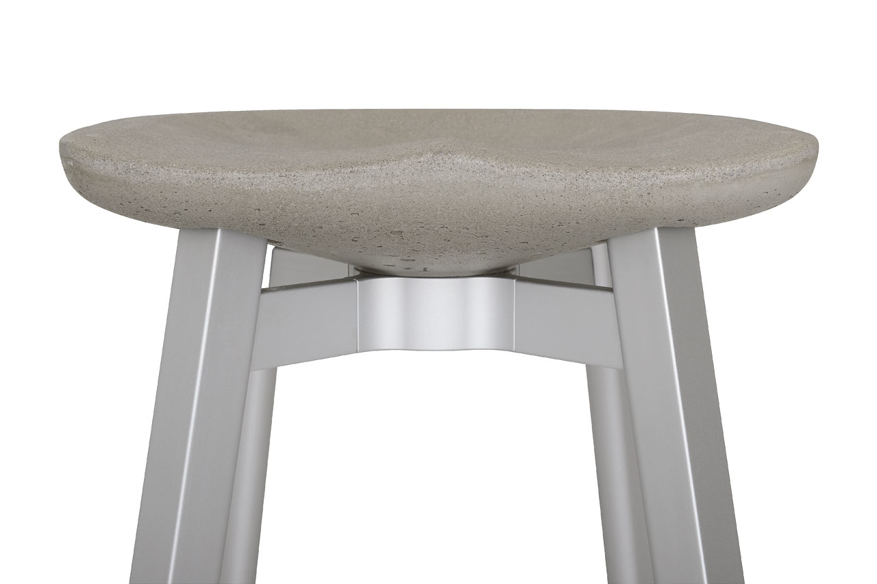 Emeco_SU-Collection-Nendo-Outdoor-Table-Stool-11