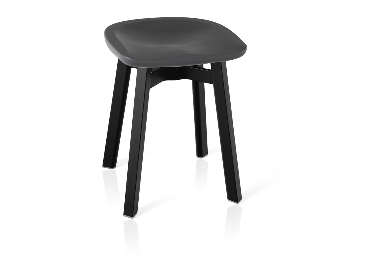 Emeco_SU-Collection-Nendo-Outdoor-Table-Stool-3
