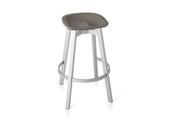 Emeco_SU-Collection-Nendo-Outdoor-Table-Stool-8-bar