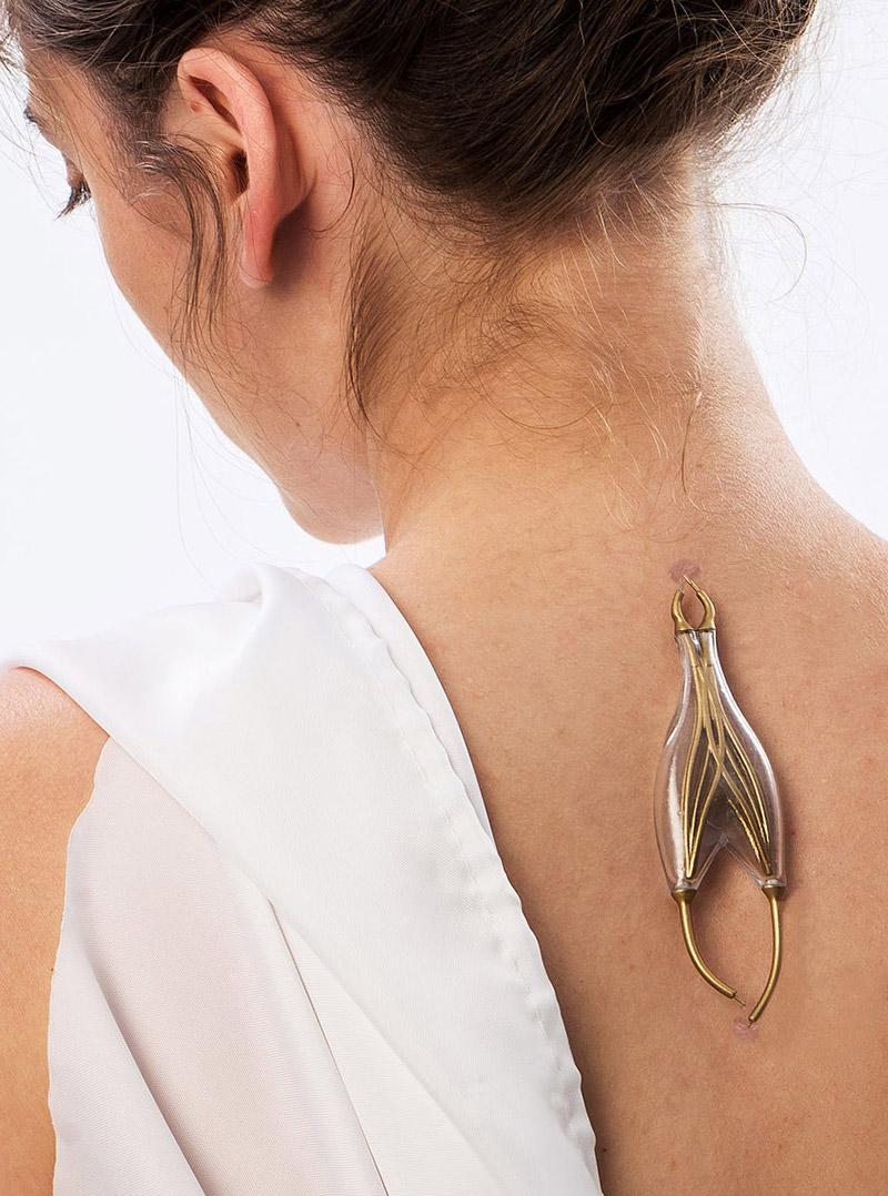 Naomi Kizhner's Parasitic Powered Jewelry