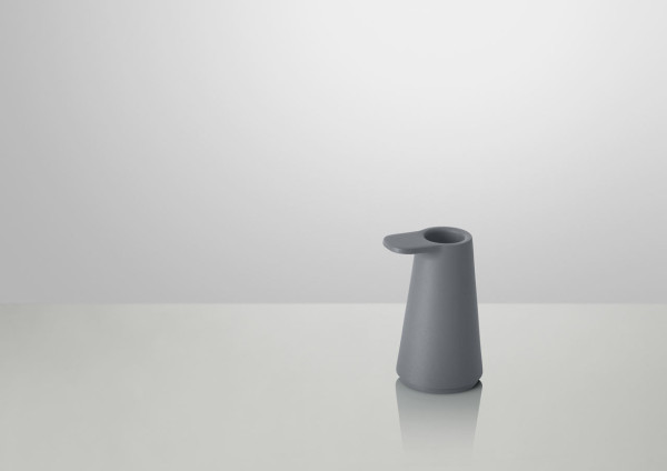 Grip-Candlestick-Muuto-Jens-Fager-3-antracit