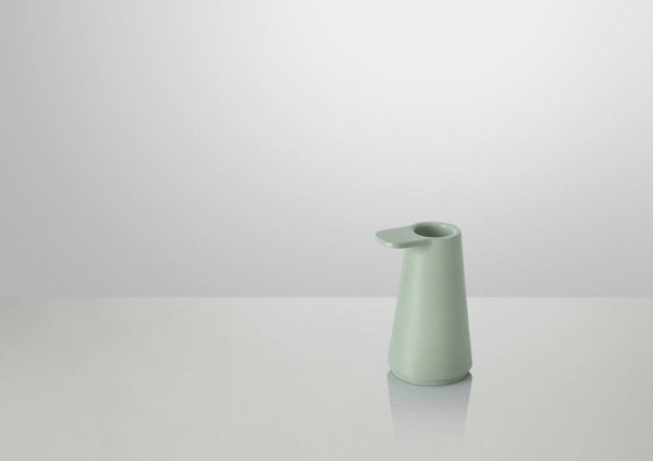 Grip-Candlestick-Muuto-Jens-Fager-4-light_green