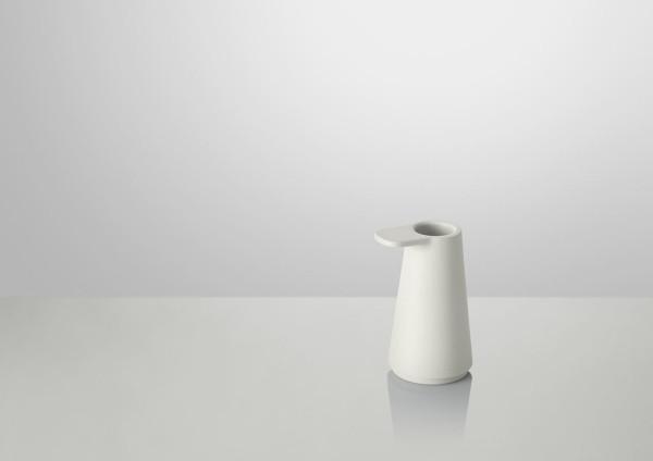 Grip-Candlestick-Muuto-Jens-Fager-6-sand